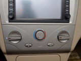 2010款 1.5L 手动华贵型-第7张图