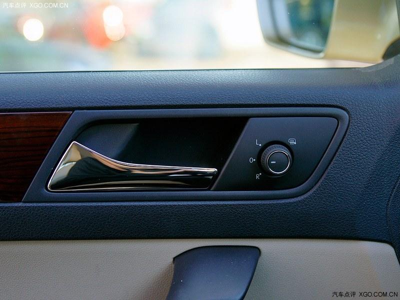 金2013款 新桑塔纳 1.6L 自动风尚版车厢座椅图片3384281 高清图