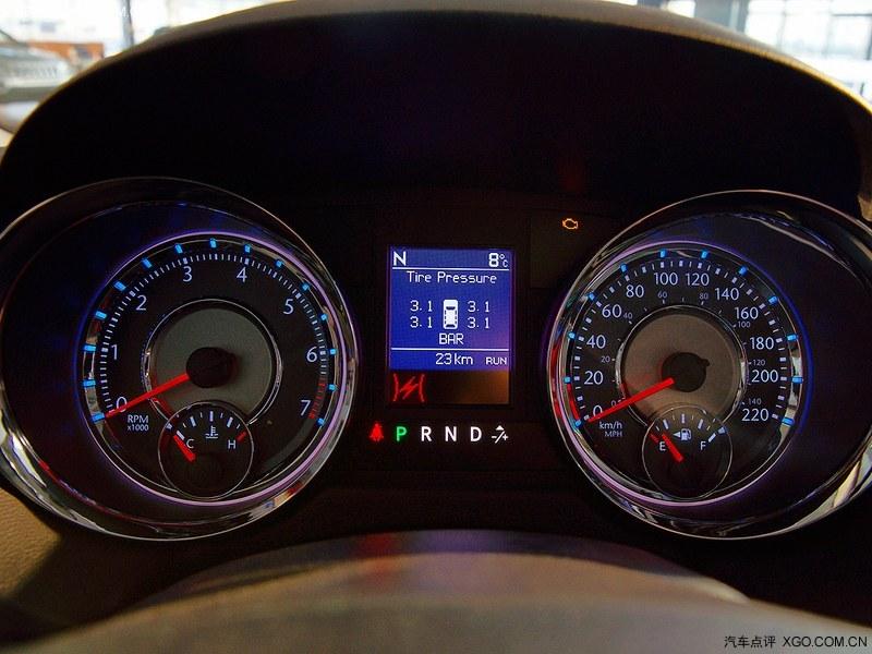 克莱斯勒2013款 全新进口大捷龙 3.6l 豪华版中控方向 高清图片