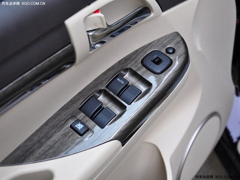 海马汽车2013款 普力马 1.8l 自动7座尊享版车厢座椅图片3348780 高高清图片