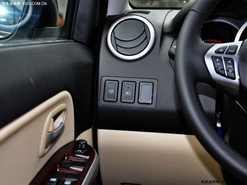 铃木(进口)2012款 超级维特拉 2.4l at豪华导航5门版其它与改装图