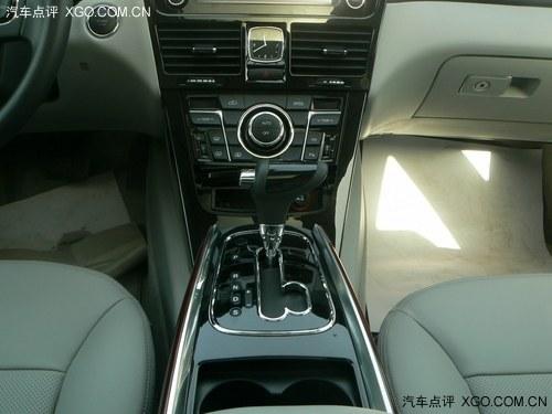 新车还配备了电子手刹,电子驻车系统epb,胎压监测系统tpms