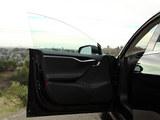 Model S前门板
