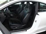 奥迪RS 5前排空间