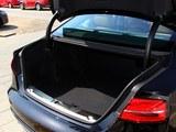 奥迪S8后备箱