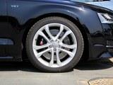 奥迪S8车轮