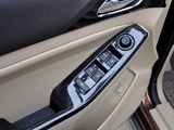 2015款 1.8L 手动舒适导航ESP型 7座-第1张图
