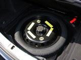 奥迪S8备胎