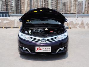 武汉比亚迪M6直降0.5万元 店内现车在售