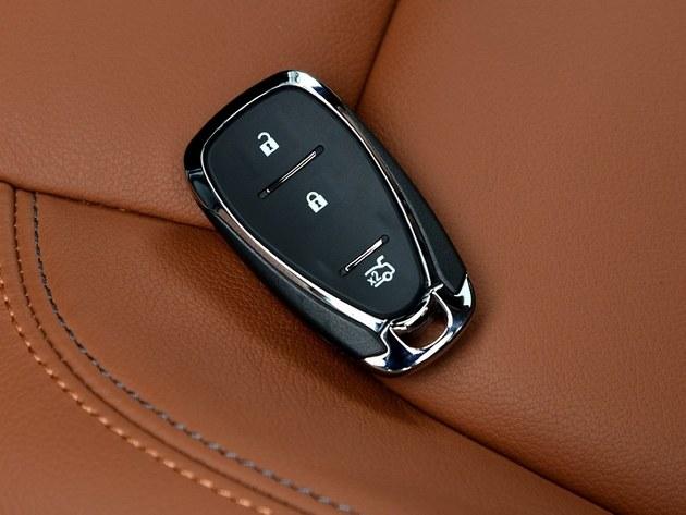 新科鲁兹的车钥匙设计得也很新颖有质感.高清图片