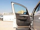 宝马2系多功能旅行车前门板