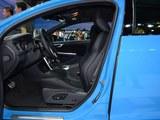 沃尔沃S60前排空间