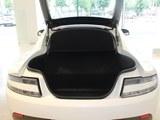 V8 Vantage后备箱