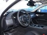 捷豹XF 2016款  XF 2.0T 两驱R-Sport运动版_高清图2