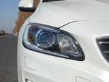 沃尔沃S60新能源前灯