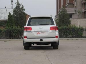 兰德酷路泽SUV目前售价77.1万起 有现车