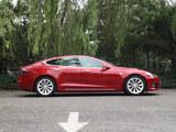 Model S正侧