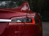 Model S后灯