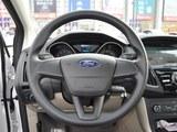 2017款 福克斯 三厢 1.6L 手动舒适型智行版