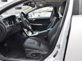 沃尔沃V60前排空间