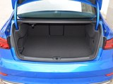 奥迪S3后备箱