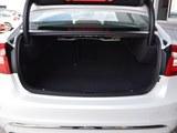 沃尔沃S60L后备箱