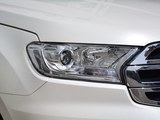 撼路者 2017款  2.0T 汽油自动四驱豪华版 5座_高清图2