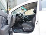 优6 SUV前排空间