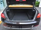 宝马7系后备箱