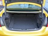 宝马M4后备箱