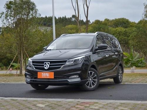 2017款 宝骏730 1.5T 手动豪华型 7座