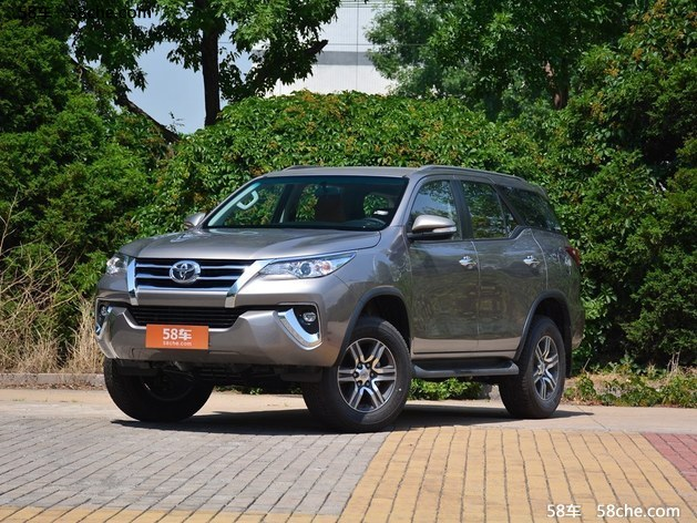 丰田fortuner现车热销 近期购车优惠1万