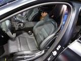 奔驰E级AMG前排空间