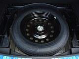 众泰T700备胎
