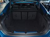宝马4系后备箱