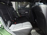 北京BJ40 2018款  40L 2.0T 手动柴油四驱尊贵版_高清图4