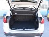 宝马X1新能源后备箱