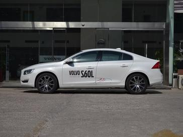沃尔沃S60L正侧