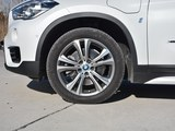 宝马X1新能源车轮