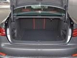奥迪S4后备箱