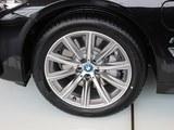 宝马5系新能源车轮