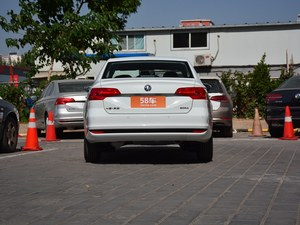 武汉大众宝来新低价 现车优惠3.1万元