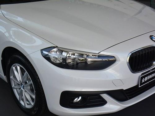 89 现车充足 2018款 宝马1系 118i 设计套装型 25.78 7.73 18.