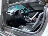 Aventador前排空间