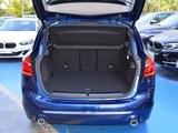 宝马2系旅行车后备箱