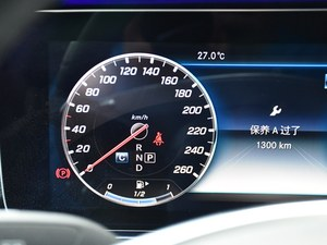 奔驰E级火热促销中 优惠最高可达5万
