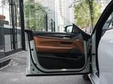 宝马6系GT前门板