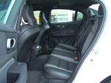 沃尔沃S60L后排空间