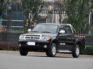 2013款 威虎G3 2.8T两驱柴油精英版中双