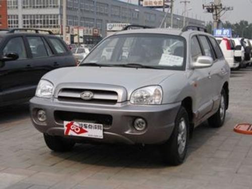 2009款 圣达菲 2.0T 柴油两驱手动豪华型